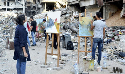In Syria's Yarmuk, Artists Paint Amid the Ruins